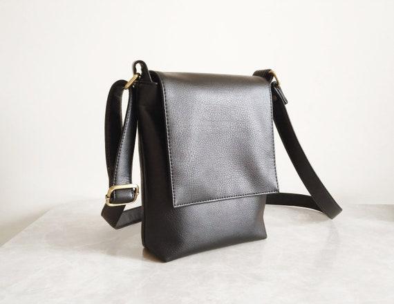 1526c6626a Crossbody bag Mens bag Messenger bag Vegan Leather bag