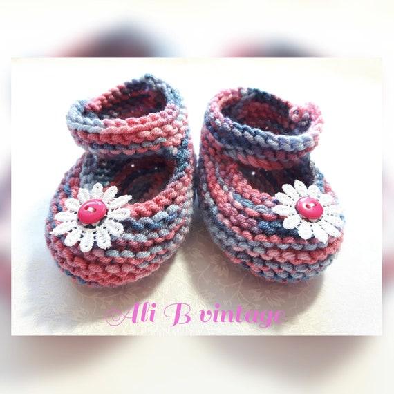 34651fd88dedd Chaussons bébé tricoté chaussures Mary Jane style bébé fille