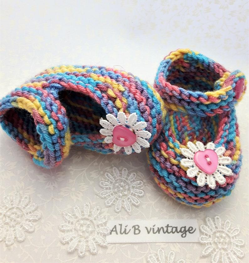 b61dfa0ef6756 Chaussures de bébé arc en ciel chaussons fille chaussons