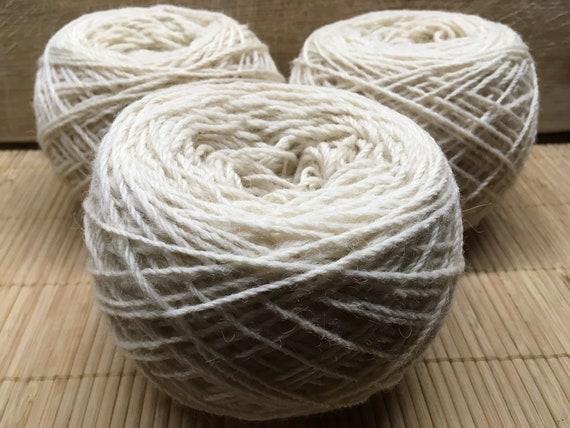 DUMPY Texel cream yarn 100g balls DK ply S18
