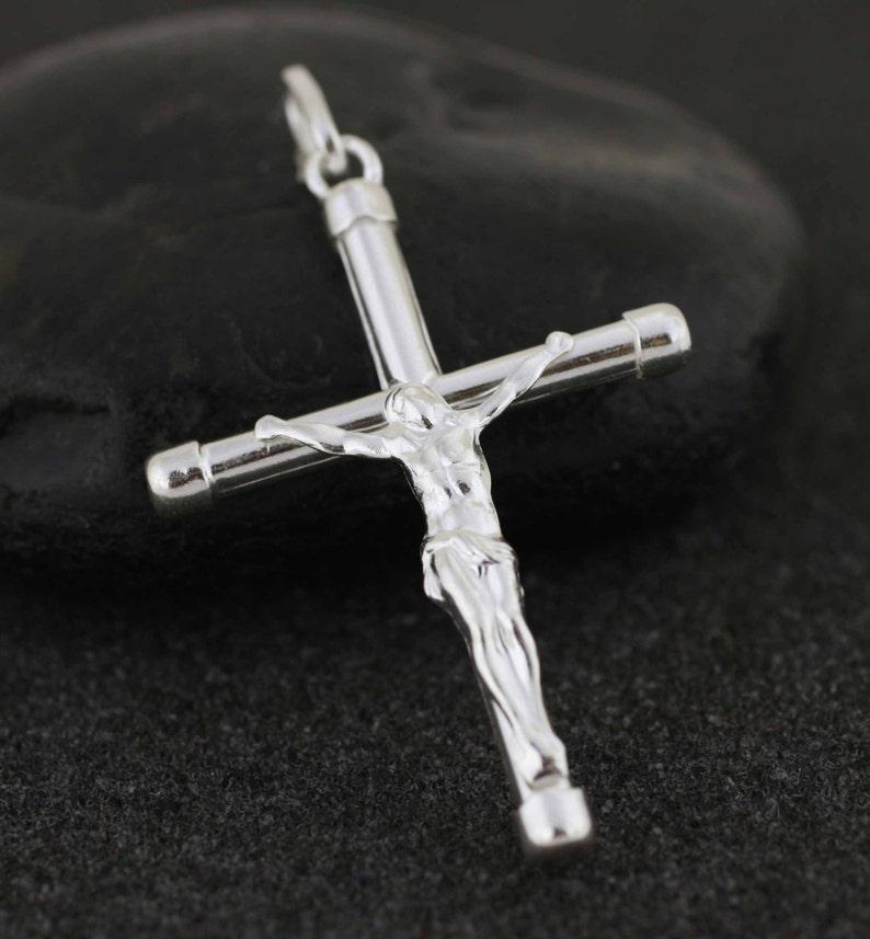 5e5bb8770d0d Gran crucifijo colgante collar de plata esterlina plata