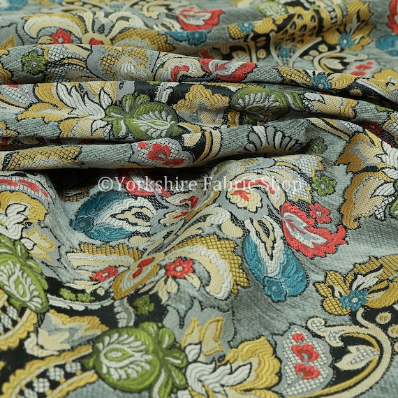 Quality Rich Detail Damask Floral Pattern In Grey Upholstery Furnishing Fabric