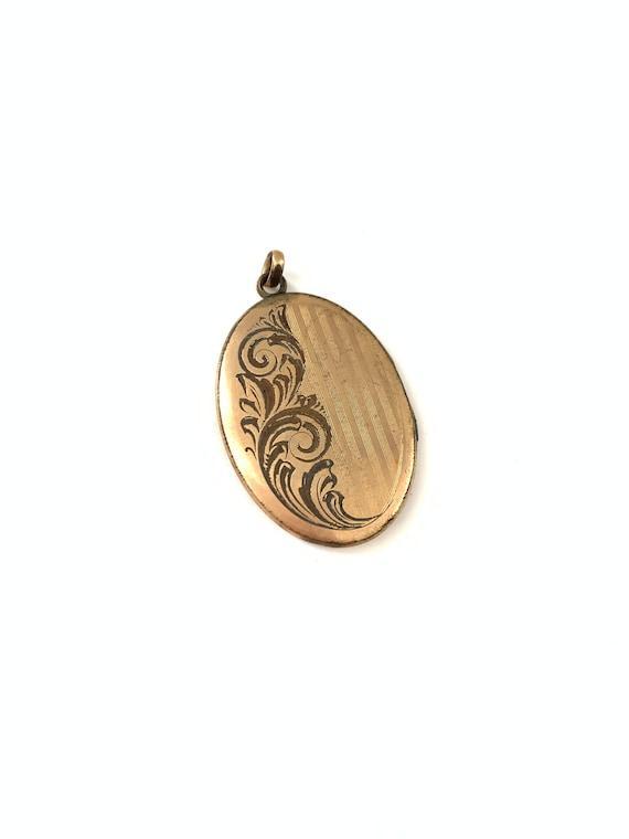 Vintage Large Oval Etched Gold Filled Locket Penda