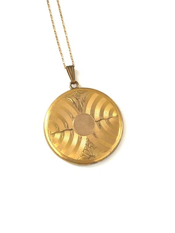 Large Vintage Gold Filled Etched Keepsake Locket P