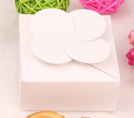 30pcs 12 * 12 * 5 cm blanc gâteau papier carton boîte gâteau blanc boîtes et emballage boîte-cadeau f0bc71