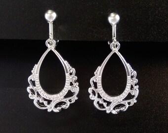 Clip On Earrings: Vintage Style Clip-On Earrings in an Ornate Design, Silver Plated | Fashion Earrings, Drop Earrings, Gifts for Women, 460