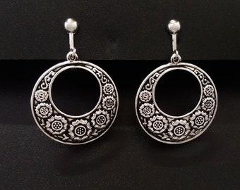 Clip On Earrings: Vintage Style Clip-On Earrings in a Flowers Design, Silver Plated | Fashion Earrings, Drop Earrings, Gifts for Women, 459