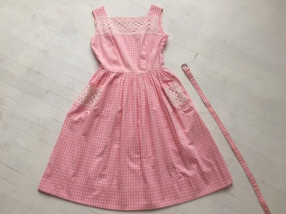 S/M 1950s Pink Gingham + Lace Dress - image 5