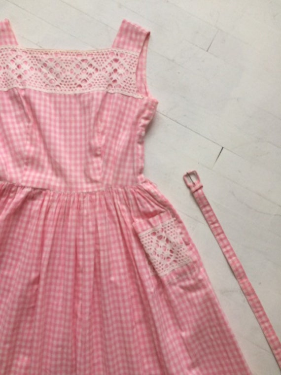 S/M 1950s Pink Gingham + Lace Dress - image 4