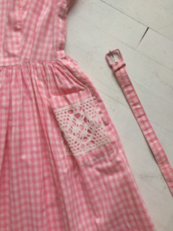 S/M 1950s Pink Gingham + Lace Dress - image 2