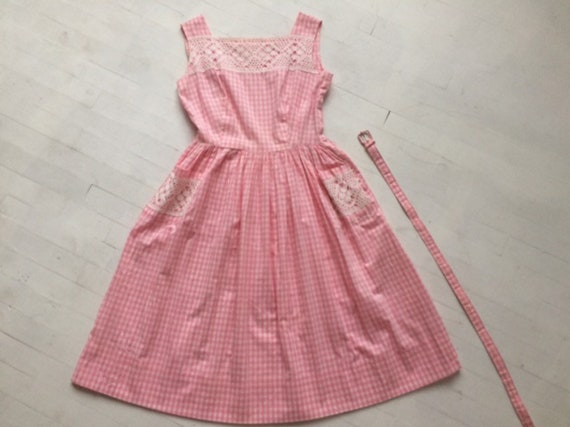 S/M 1950s Pink Gingham + Lace Dress - image 3
