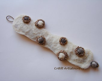 Felted bracelet with beads