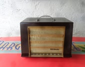 Antique 1952 RCA Victor Golden Throat Radio, Working