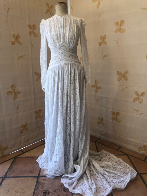 Late 30s early 1940s lace bride gown