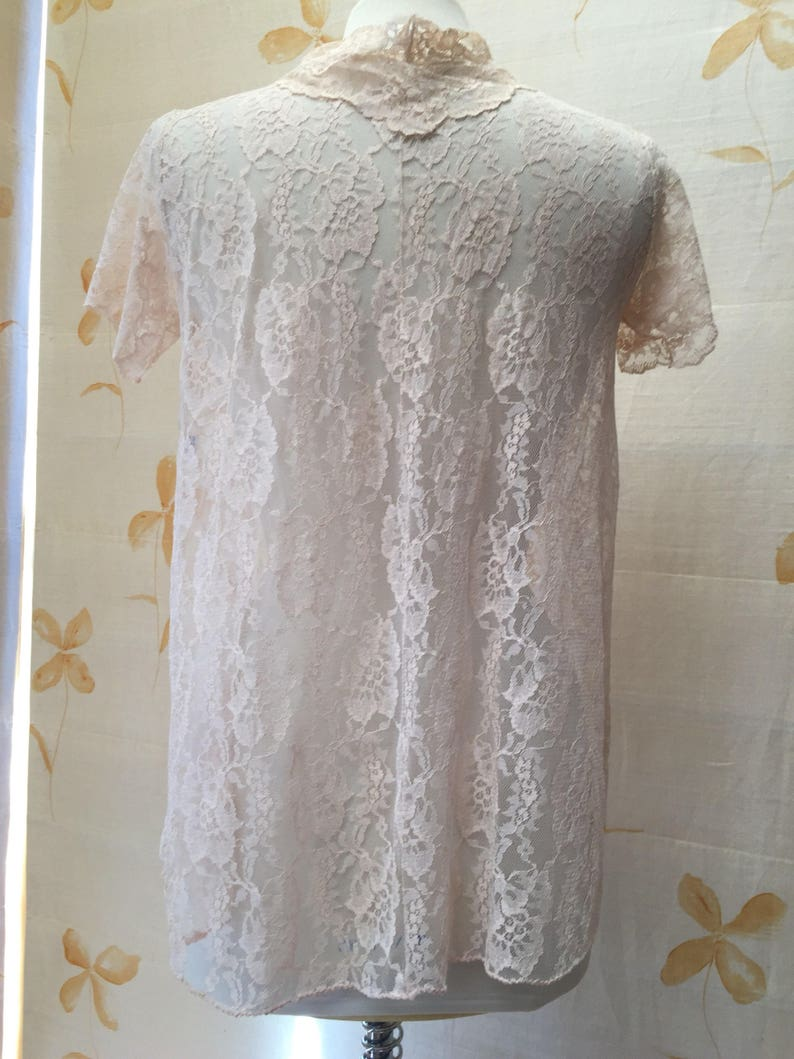 Sweet 1960s sheet net lace swing blouse with ribbon roses and scalloped edging
