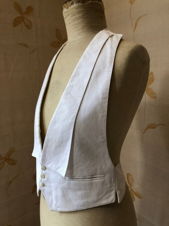 Rare 1930s Australian made adjustable size white t