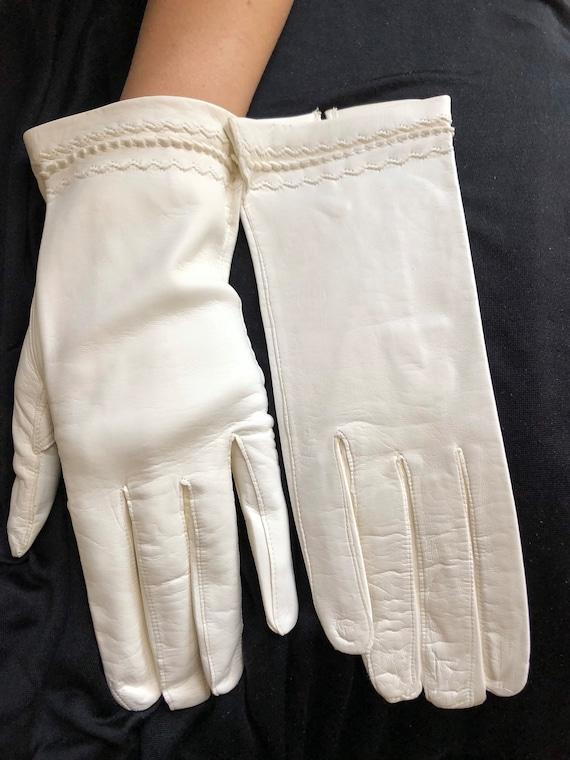 1950s unused white kid leather gloves