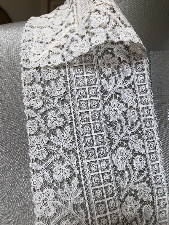 Antique lace collar and bib - image 8