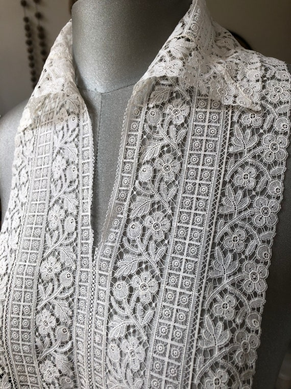 Antique lace collar and bib - image 1
