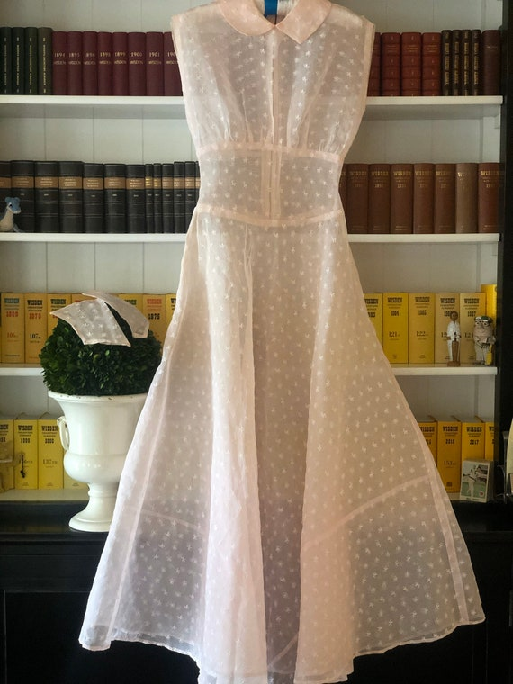 1930s eyelet silk organza gown with wristlet glov… - image 3