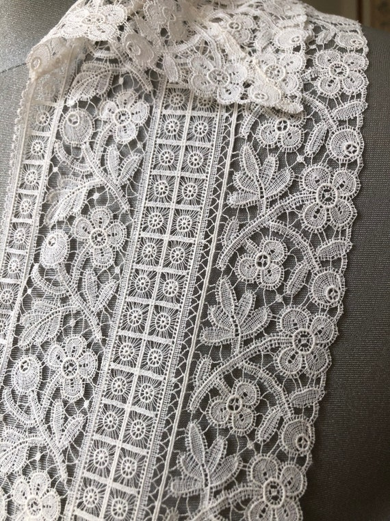 Antique lace collar and bib - image 5