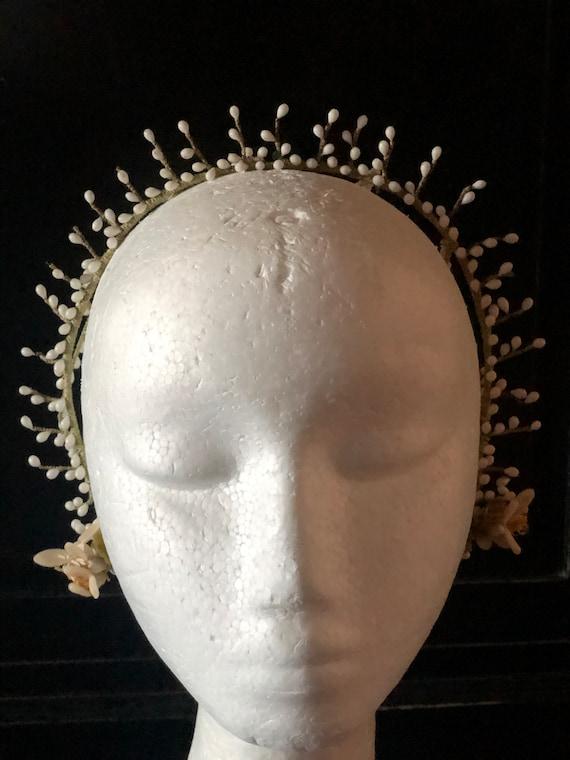 1920s wax bud skullcap style wedding headpiece