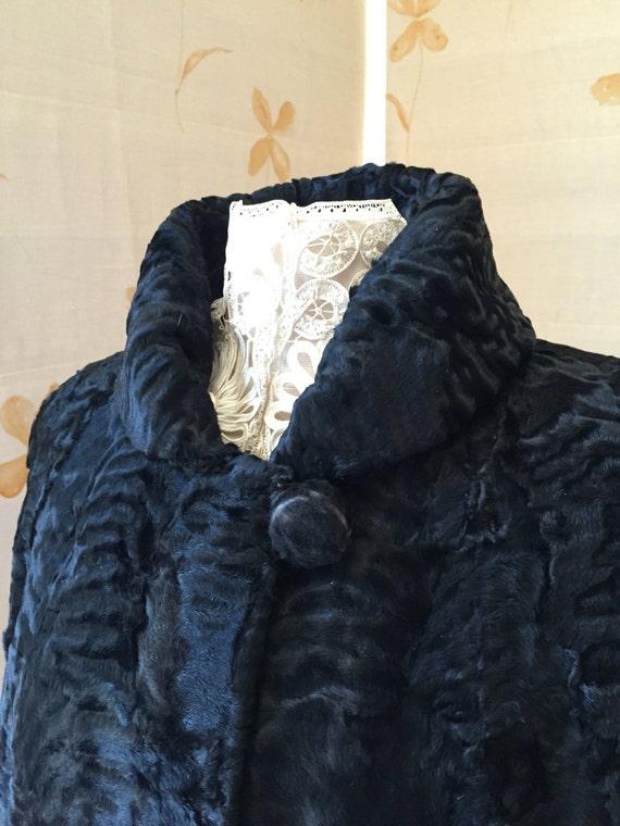 pretty nice 944a2 9f5dd Prezzo ridotto: cappotto di pelliccia astrakan di 1940s vintage swing  giacca.