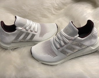 Womens Adidas Swift Run in White with Pink Accents Embellished with  Swarovski Crystals   Bling Adidas   SIZE 6.5 LAST PAIR! facd7fe5cdf0