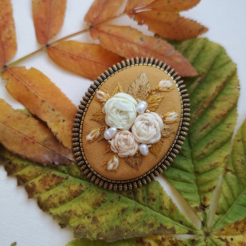 Autumn brooch image 0