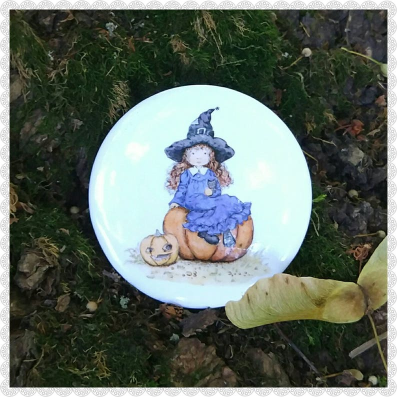 The little witch pin image 0