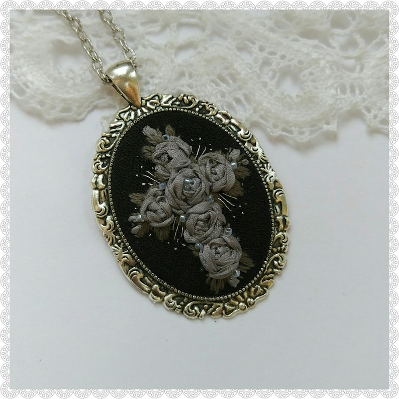 GRC1 Gray roses cross necklace image 0