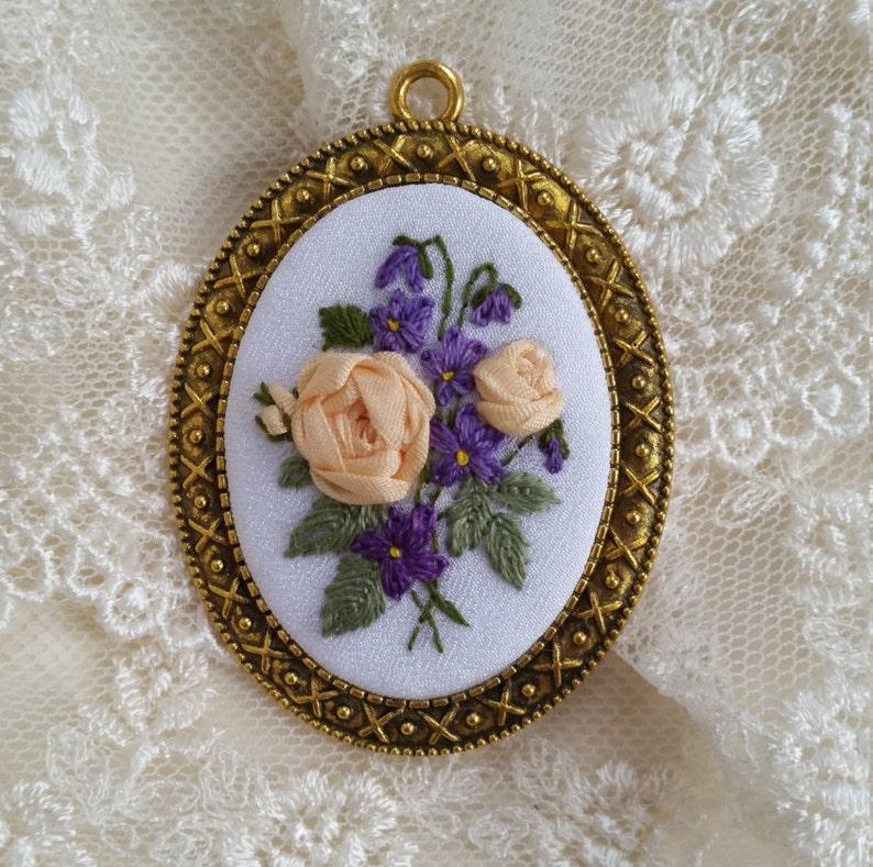 RV1 Roses&Violets necklace image 0