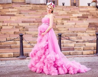 40b425125ff Maternity gown