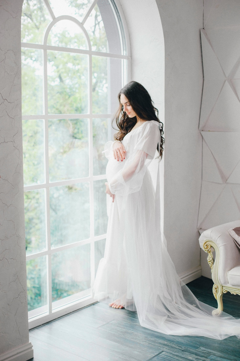 171f4976844 Long white maternity dress for photo shoot. Maternity gown.