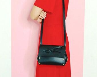 Black Leather Crossbody Bag. Italian vegetable tanned leather