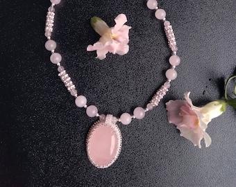 Rose quartz necklace Pink necklace Rose quartz pendant Pink quartz Statement necklace Blush pink Wife gift Gift for women Gift for grandma