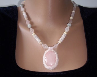 Rose quartz necklace Pink necklace Rose quartz pendant Pink quartz Statement necklace Blush pink Wife gift Gift for women Gift for grandma