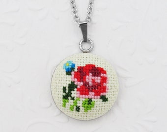 Pink red rose flower bouquet necklace, Hand embroidered forget me not pendant necklace Romantic gift for wife, Mother gift from daughter