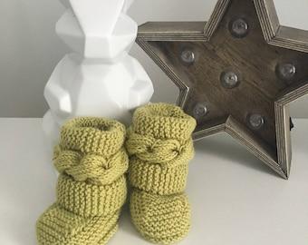 Old green baby booties/slippers wool merino. 0-3 months