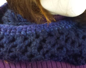 B114 hand-knitted lacy blue wool scarf, continuous loop