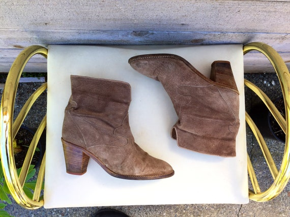 Size 6.5 suede chelsea ankle boots//cowboy ankle b