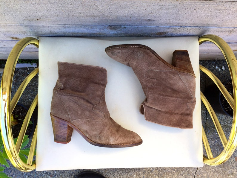 49c1b11113340 Size 6.5 suede chelsea ankle boots//cowboy ankle boots// made in italy