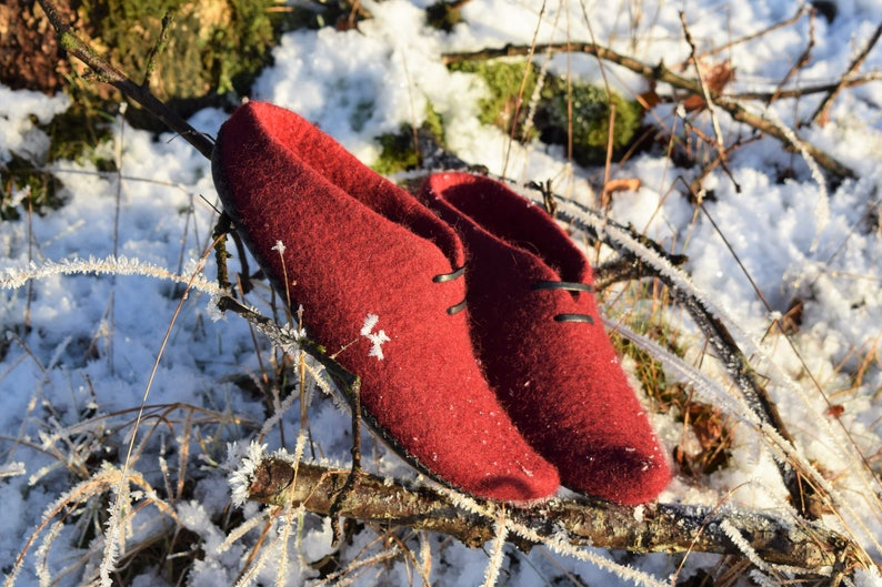 wool clogs Ready EU 38-39 US 8 Elf slippers Red,Felted slippers valentines day gift for her boiled wool slippers,dutch clogs, home shoes