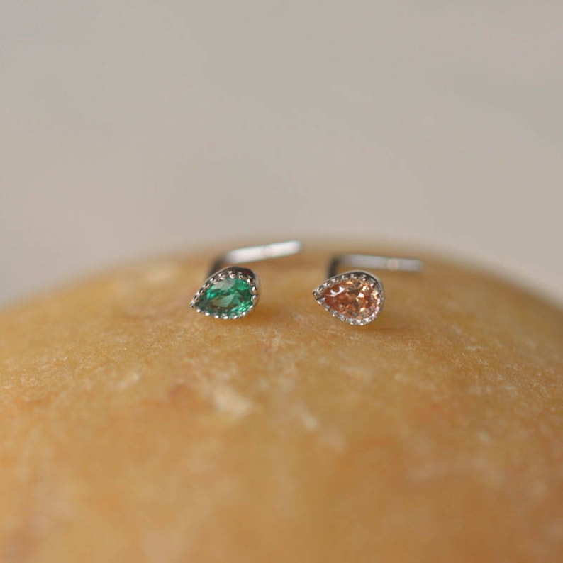 sterling silver Emerald nose ring,cartilage earring,tragus earrings,labret earrings,nose ring girlfriend jewelry