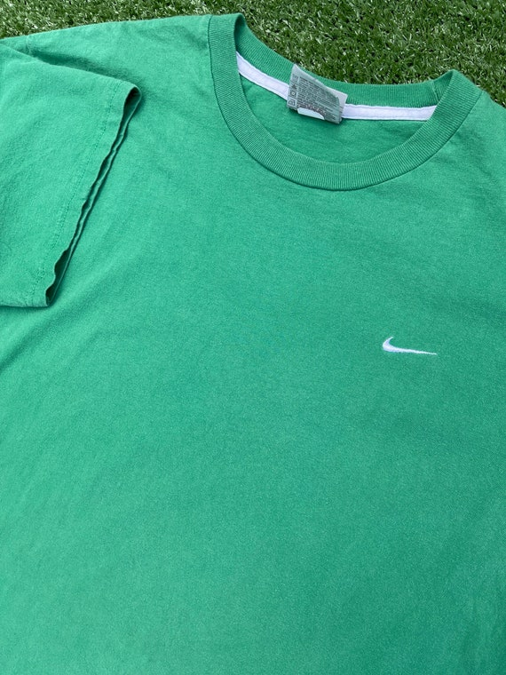 2000s Vintage Nike Swoosh Graphic Tees - image 6