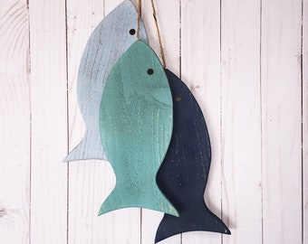 String Full of Fish Wall Decor Cabin and Lake house Man Cave Fisherman/'s Decor