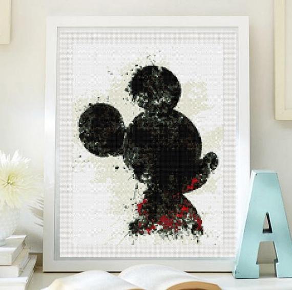 Mickey Mouse cross stitch pattern PDF, Mickey Mouse patron punto de ...