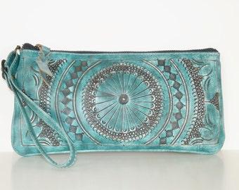 99b77c3d8f Clutch purse