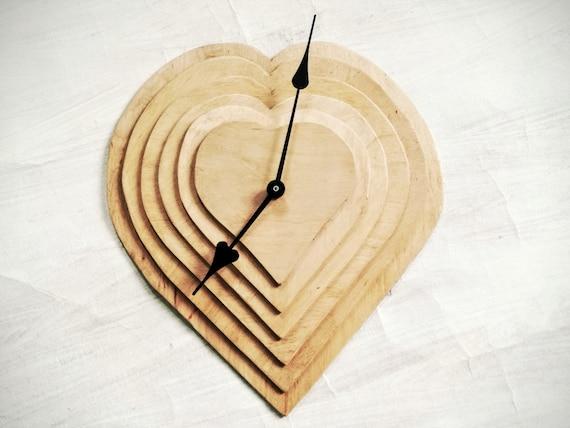 Horloge murale en bois naturel horloge rustique moderne ba etsy for Horloge murale bois moderne