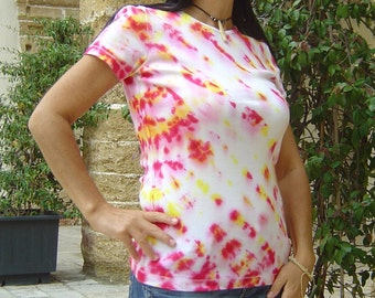 Tie Dye t-shirt 100% cotton-Shibori dye Procion MX dye, Hippie, female. Size S-OOAK Gift ideas. Made in Italy